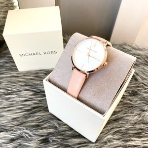 NWT authentic MK mother pearl rosegold blush